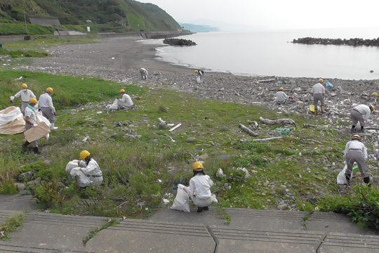 海岸清掃(美化活動)ボランティア実施